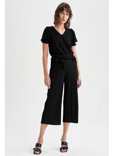DeFacto V Yaka Büzgülü Bel ve Kol Detaylı Bluz Siyah